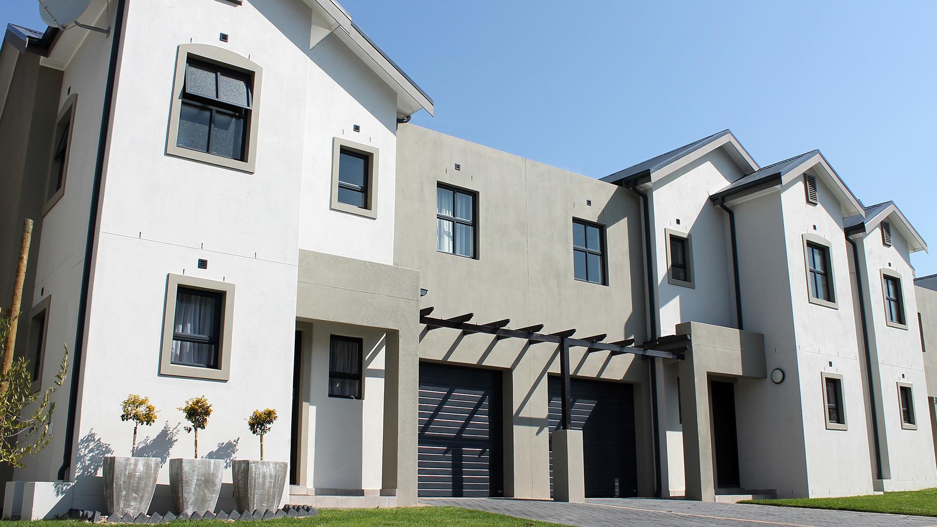 buh-rein-estate-sable-ridge-townhouses-02